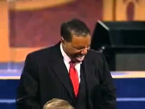 Pastor-Creflo-Dollar-Miracle-Healing